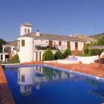 The pool and the cortijo